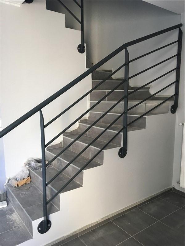 Logement neuf Chaingy escalier