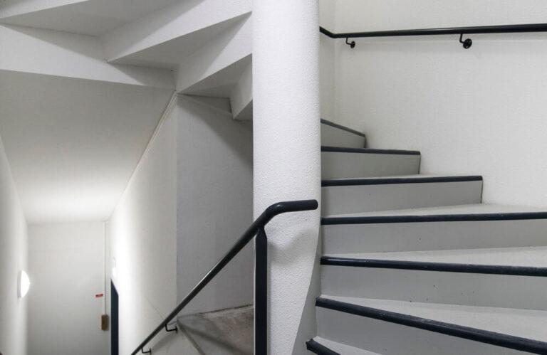 Logement neuf immeuble Pasteur orléans escalier