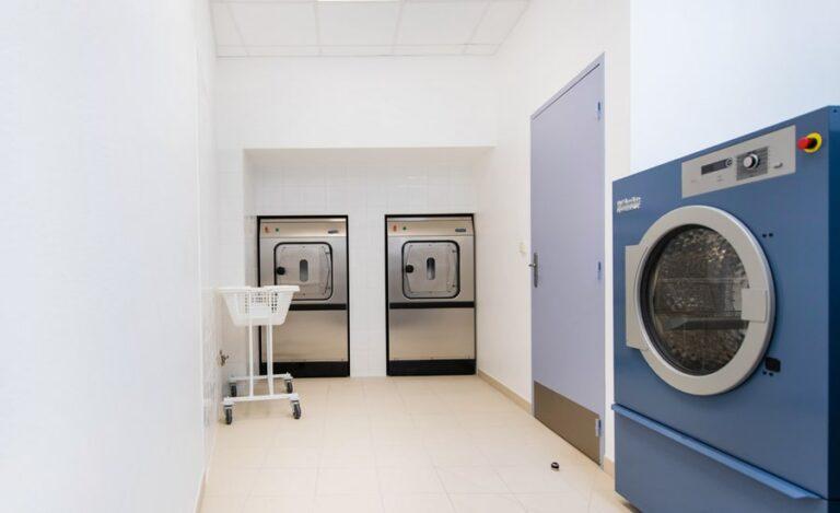 Réhabilitation buanderie Saint Hilaire salle annexe